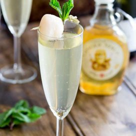 Lychee-Ginger-Fizz4